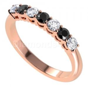 """טבעת""""לוסיל"""" בזהב אדום ויהלומים"""