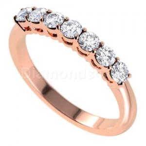 """טבעת""""לוסיל"""" בזהב אדום ויהלומים לבנים"""