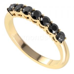 """טבעת""""לוסיל"""" בזהב צהוב ויהלומים שחורים"""