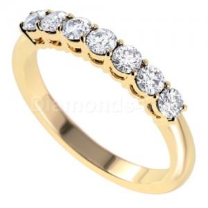 """טבעת""""לוסיל"""" בזהב צהוב ויהלומים לבנים"""