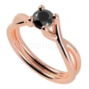 """טבעת """"ארמנדה"""" עם יהלום שחור"""
