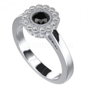 """טבעת """"גרניון"""" זהב לבן ויהלום שחור"""
