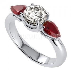 """טבעת """"ברנה"""" רובי  ויהלומים בזהב לבן"""