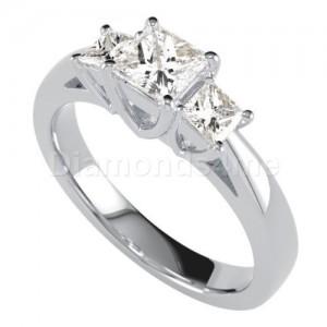"""טבעת אירוסין """"מליניה"""" בזהב לבן"""